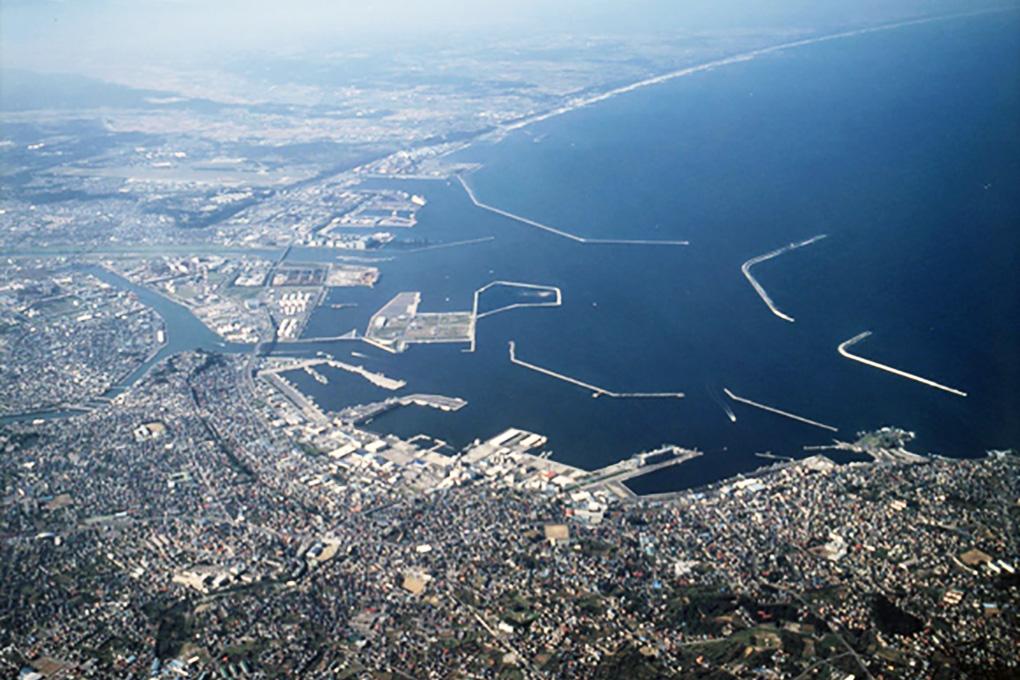 八戸漁港全景